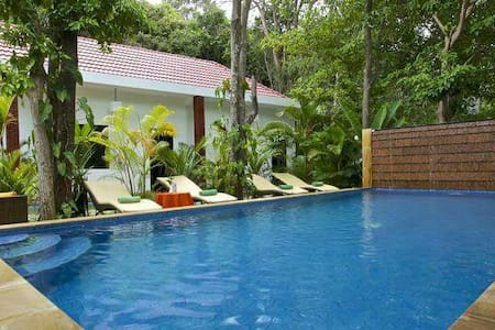 King bed wifi TV restaurant pool - Krong Siem Reap, Siem Reap, KH