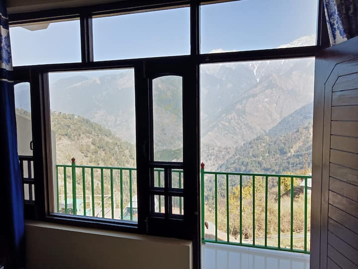 Room with a view - Naddi, Mcleodganj