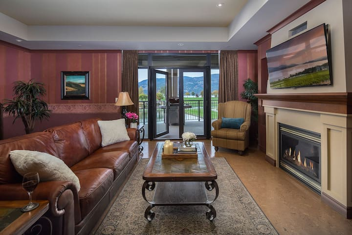 2-br luxury resort suite in Downtown Kelowna