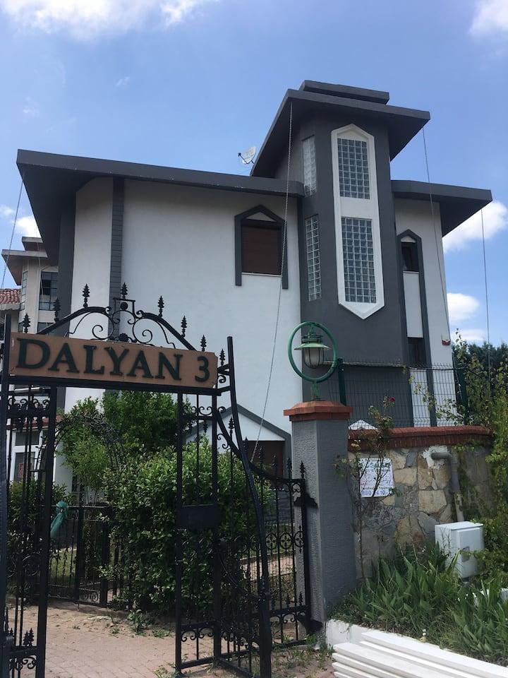 Villa mit schönem Garten