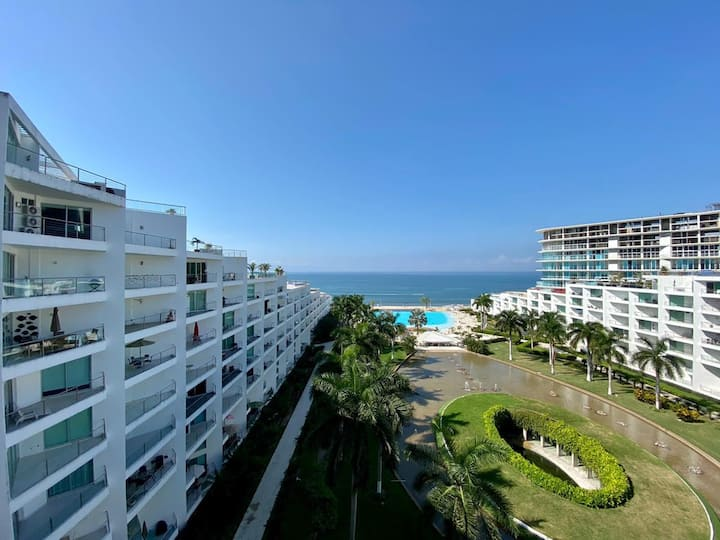 Front beach apartment in Nuevo Vallarta