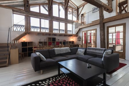 Spectacular Converted Barn with Hot Tub and Views