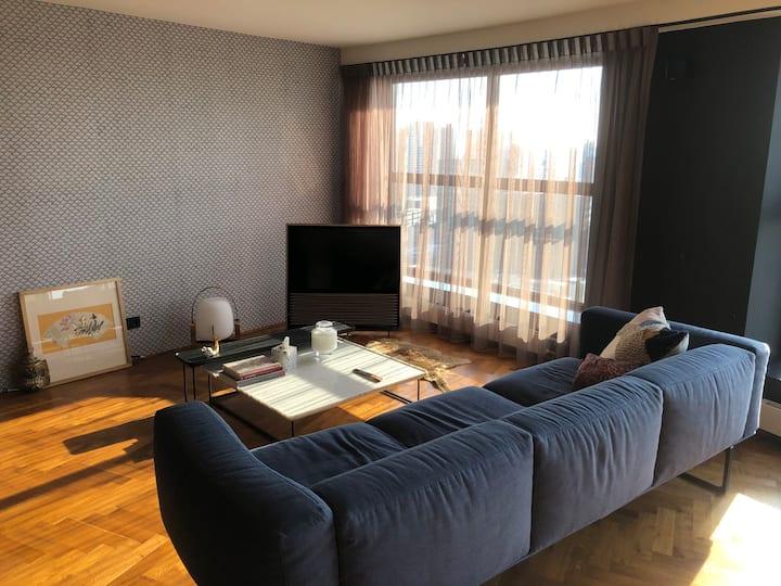 Rotterdam Central 26th-floor Design Apartment