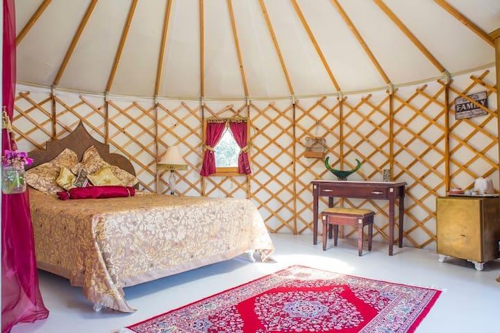 Yildiz Palace @ Avalon Steppes Luxury Glamping - Fethiye - Yurt