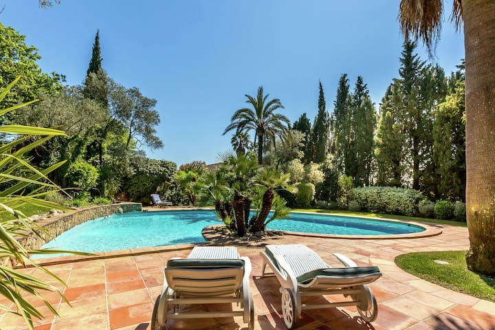 Magnificent villa with private pool near Port Grimaud and Saint Tropez