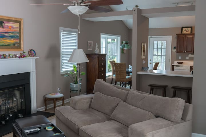 Centrally Located Comfy Clean Family Cottage