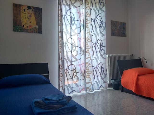 Single bed in a shared mixed twin room in Verona