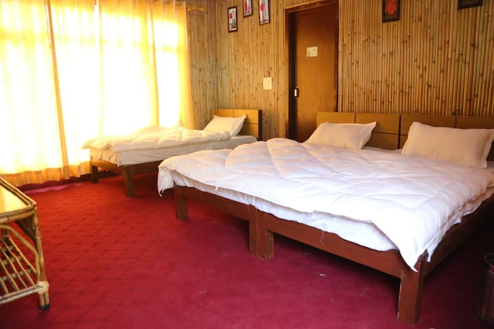 Luxury stay near to Mussoorie Lake