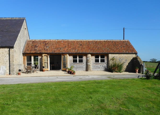 Court Farm Barn, Lullington