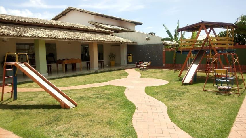 casa ampla em Vilas do Atlantico -Lauro de Freitas