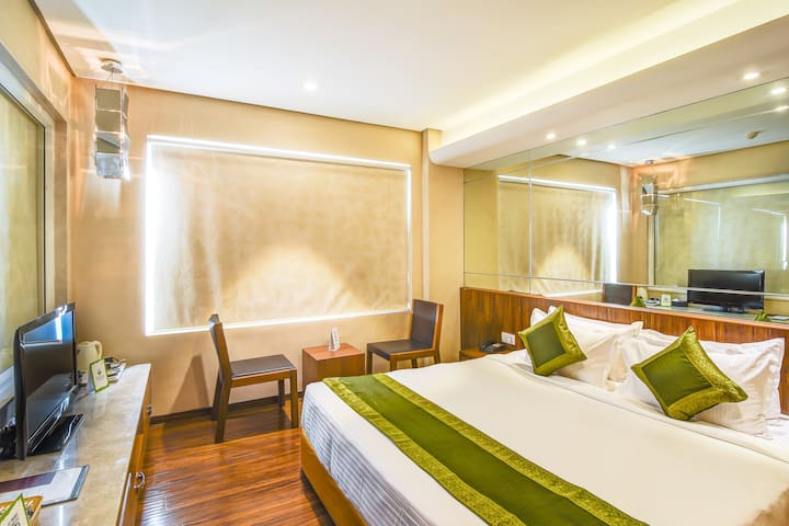 Warm Stay @ New Palasia, Indore