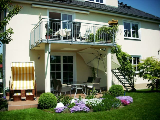 Courtesy living on 140 m² for a smart price ! - Dresden
