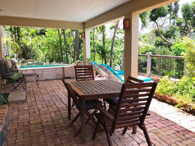 Far Horizons Garden Apartment