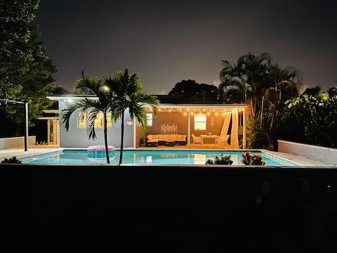 🌞🥂Sunny Miami Pool Paradise🥂🌞