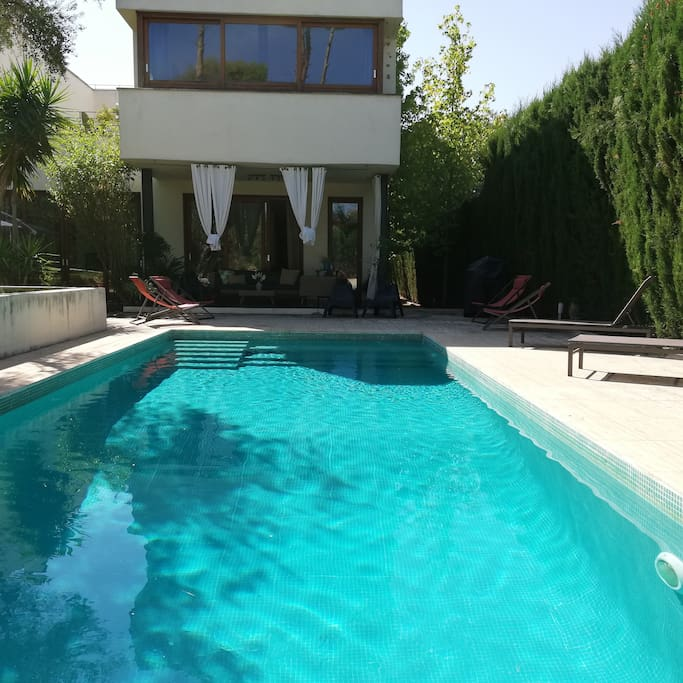 Villa with gardens and swimming pool villas louer - Swimming pool seville ...