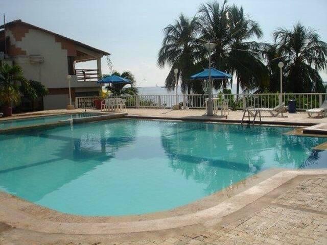 Casa con piscina en Santa marta - Santa Marta - Haus