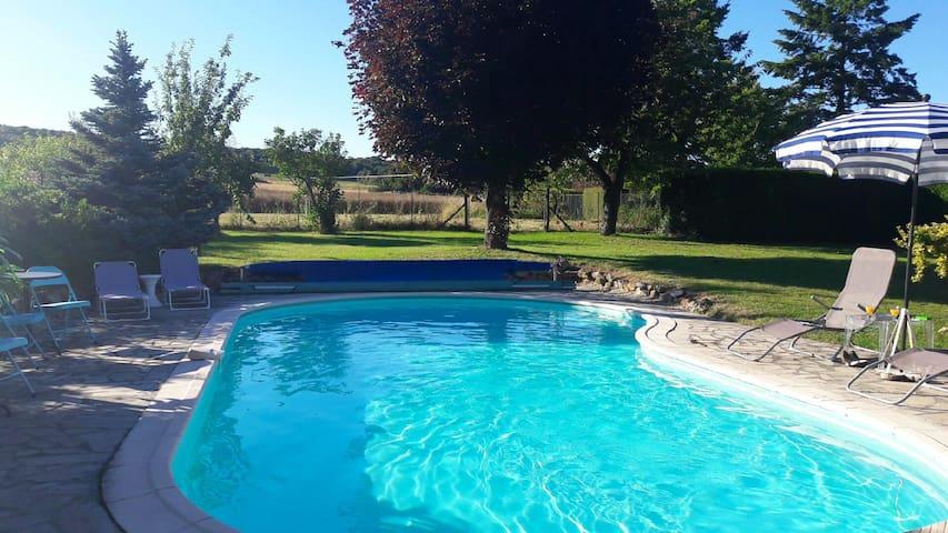 Longère briarde avec piscine pour 9 personnes
