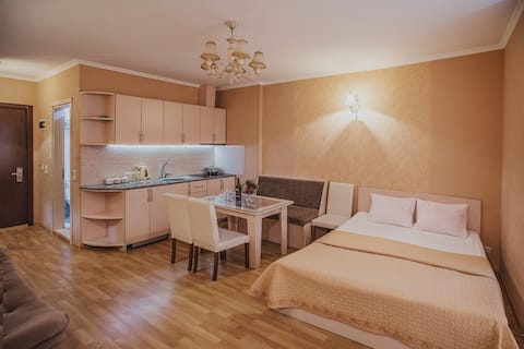 Сozy studio with Sea view, 50 m from the beach