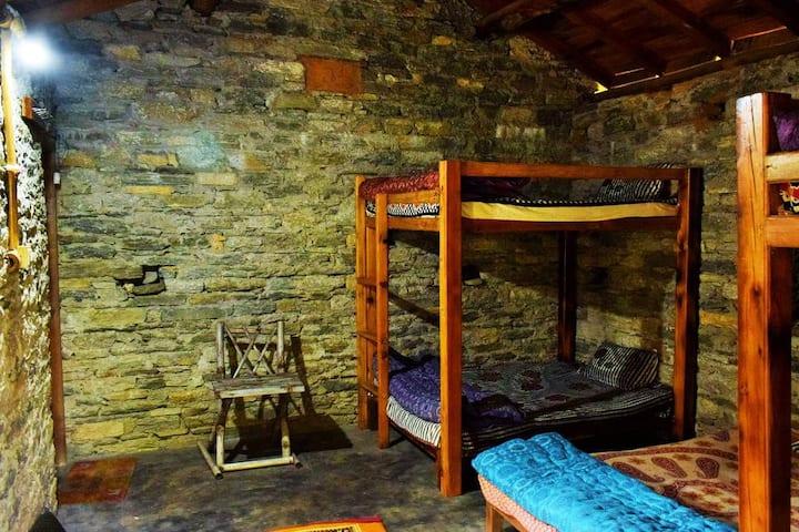 Binsar Valley River Camp: Dhruv