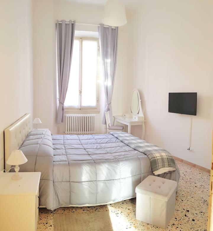 Room 1 Gelsomino 26 Firenze