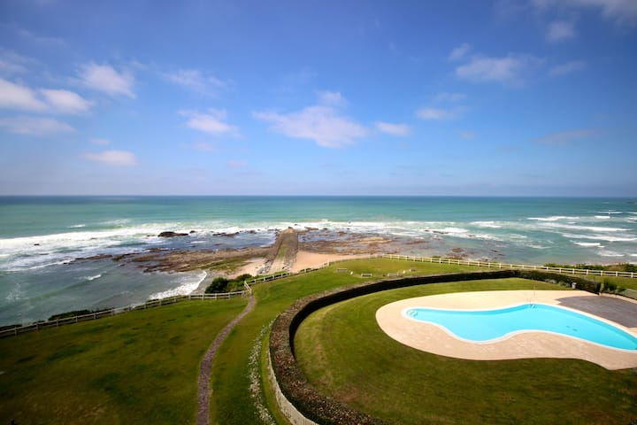 Sublime T2 vue océan, plage piscine parking tennis