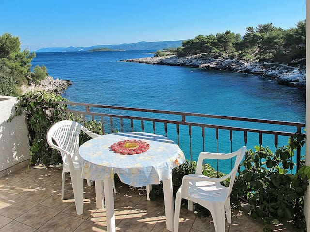 Holiday Apartment Buda for 4 persons at Isle of Hvar
