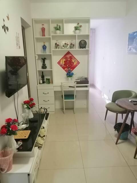 刘长山路附近一室一厅房源出租!厨卫家电齐全!干净卫生!电梯房