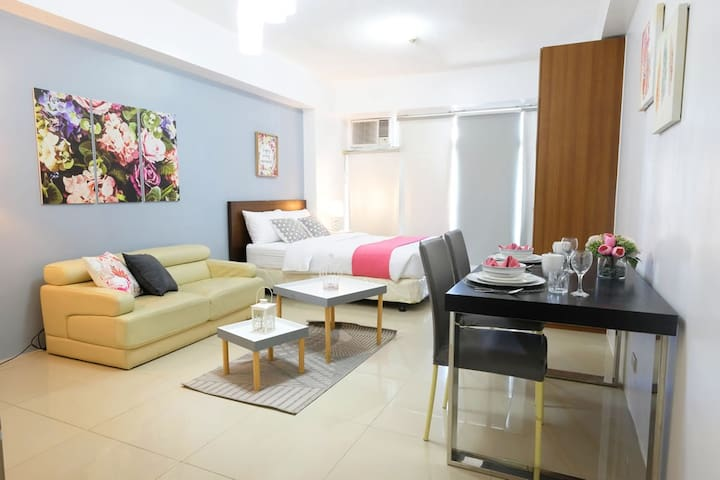 Comfy & Spacious Studio by Greenbelt mall (M10)