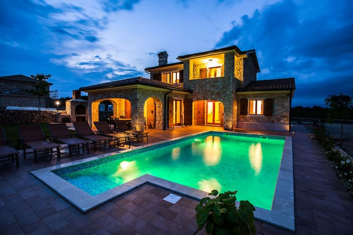 Stone Villa with a large pool and child playground - Krk - Villa