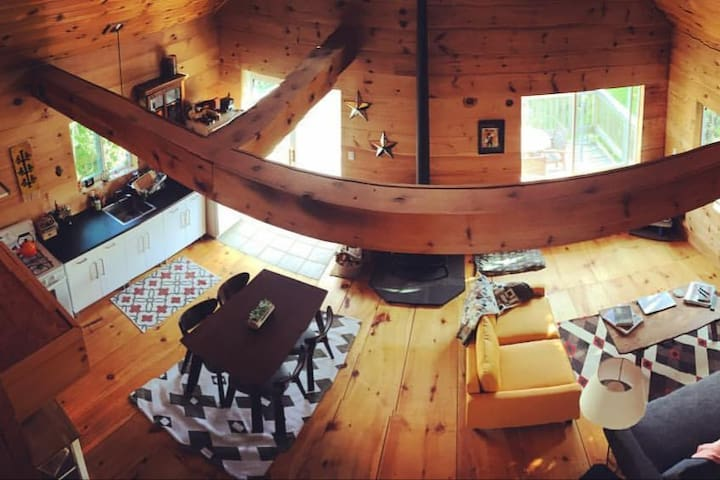 Private Cabin on 11 Acres of Amazingness