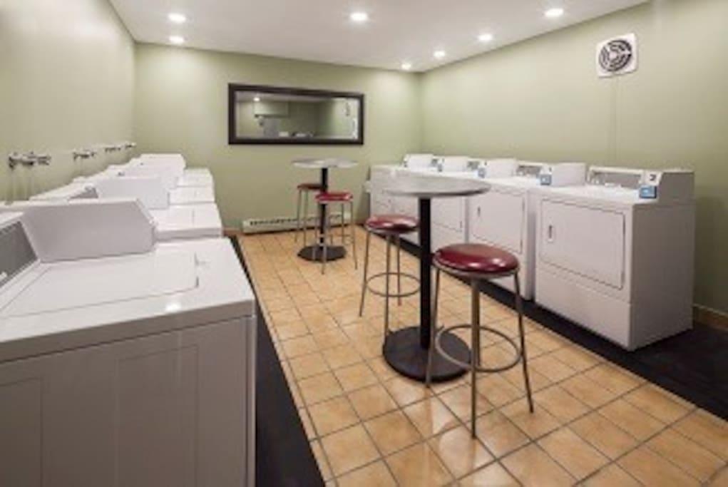 salle de lavage au rez-de-chaussée ($)