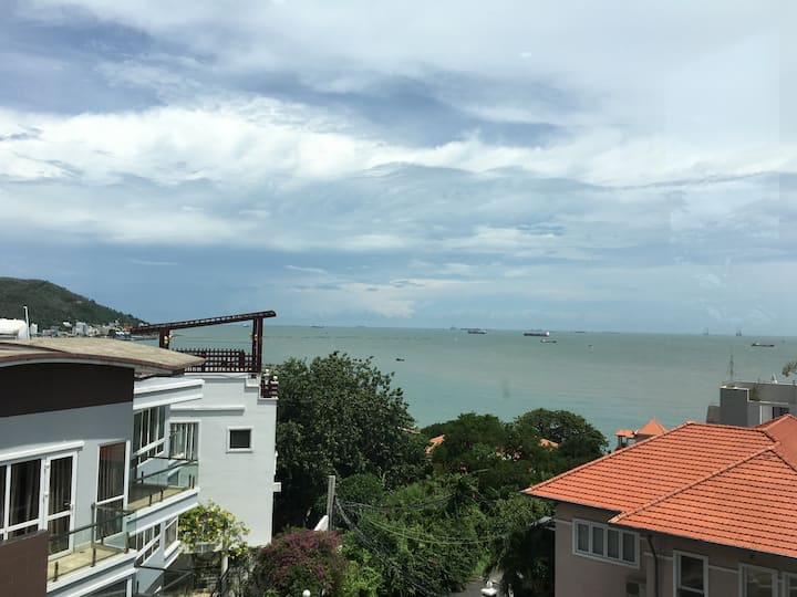 12 PT Sea View