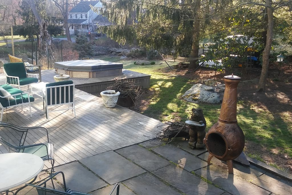 Backyard deck, hot tub not available to guests
