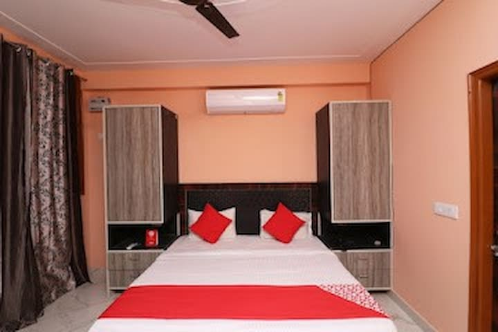 Shared room in Gurgaon, India for travellers.