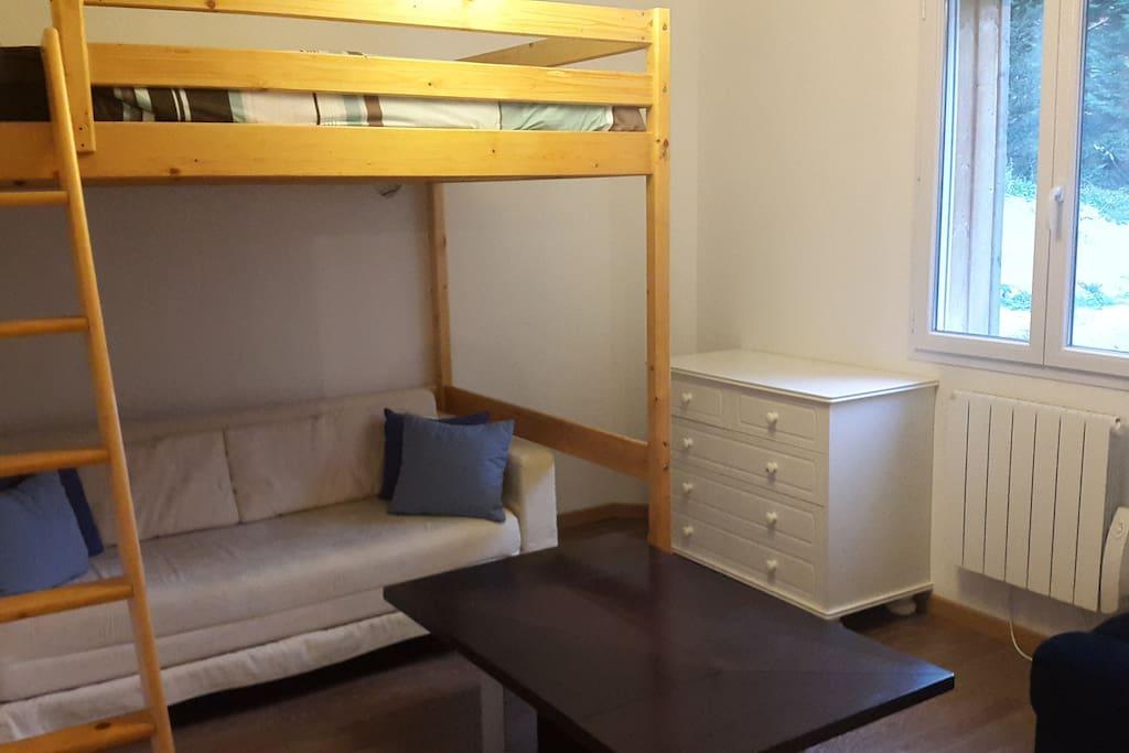 Mezzanine avec un lit 180cm de large