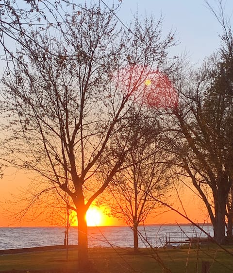 Waterfront Oasis on Lake Erie Wine Route