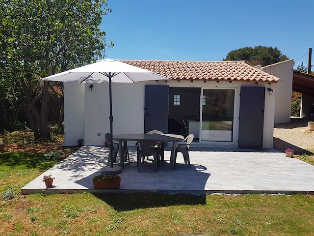 Maison T2 avec parking, jardin et terrasse