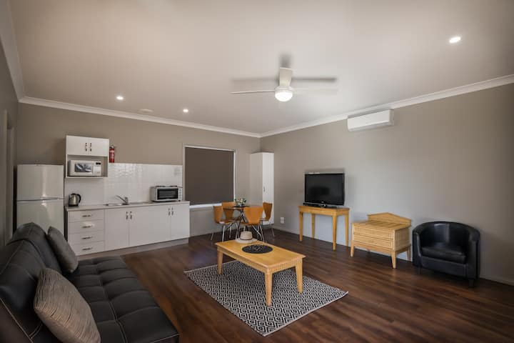 AKUNA APARTMENT CLOSE TO THE ZOO AND CBD