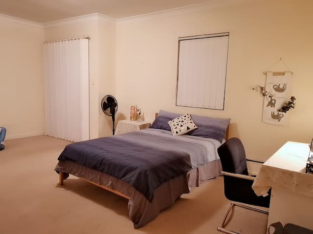 悉尼超大双人间民宿