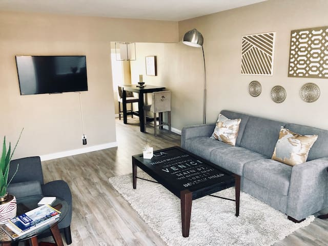 2miles to LAX,Forum,Immaculate renovated 1bdr unit