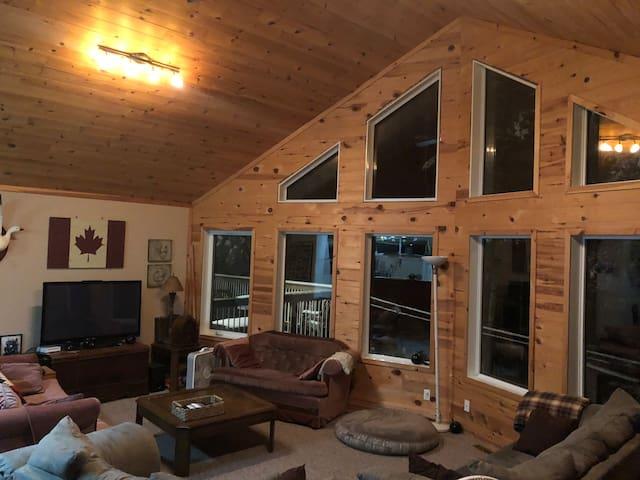 Beautiful Cabin : Grindstone/Hecla Provincial Park