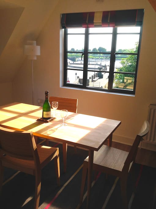 Dining table with a great view over the quayside
