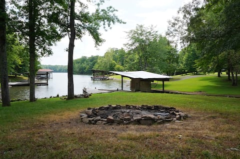 ⛵️The Blue Cat Lodge—Watts Bar Lakefront Oasis⛵️