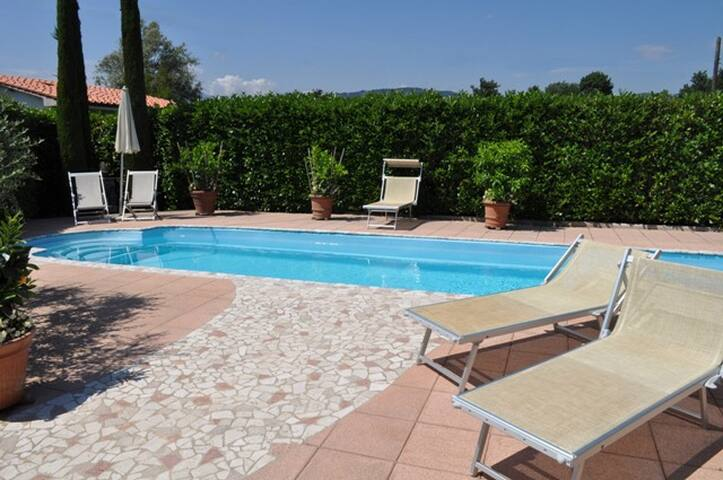 Apartment with private pool and gazebo - Lucca - Wohnung
