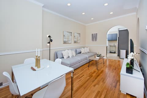 Gorgeous Brownstone Duplex - 9 Beds and Backyard!