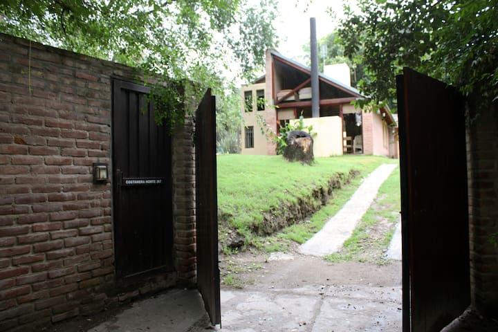 Hermosa casa con piscina - Alta Gracia - Casa