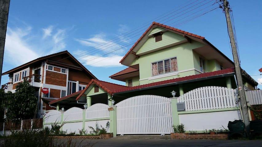 Oliver's Home stay - ตำบล บ้านแหวน - Casa