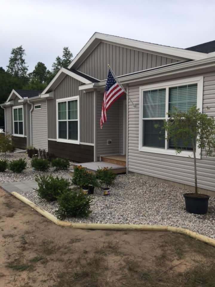 M22 Lk Michigan, Frankfort & Crystal Beach Home