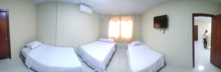 Cómodas Habitaciones con baño privado en Manta