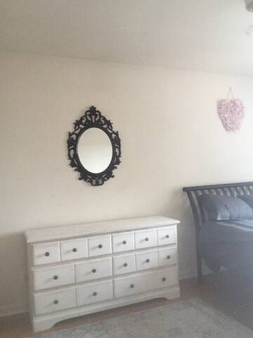 Skyline Master Bedroom In Artsy Neighborhood